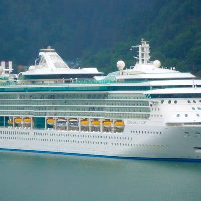Differences Between Carnival & Royal Caribbean Cruise